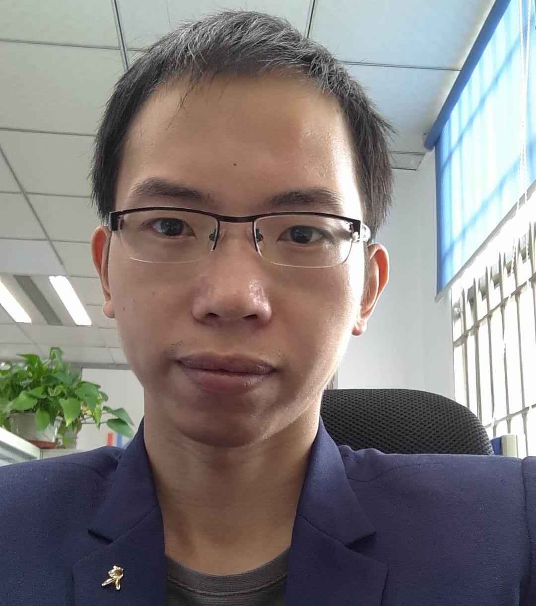 尹文辉猎头顾问